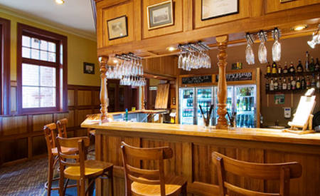 Rydges_Hobart_Manor_Bar