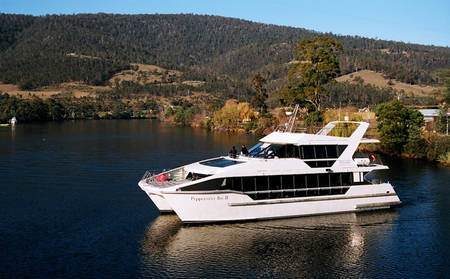 Rydges_Hobart_Peppermint-Bay-Cruise