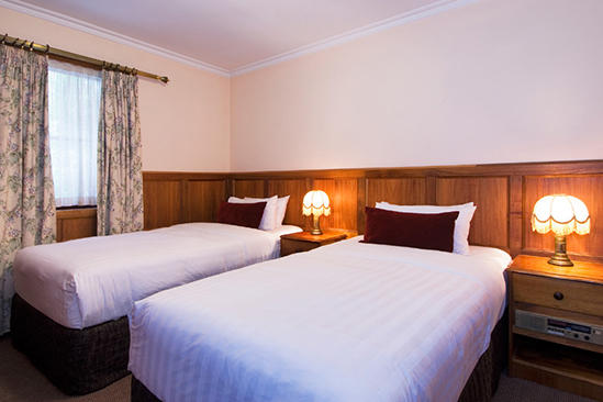 Rydges _ Hobart _ Antique _ Double _ Twin _ Suite