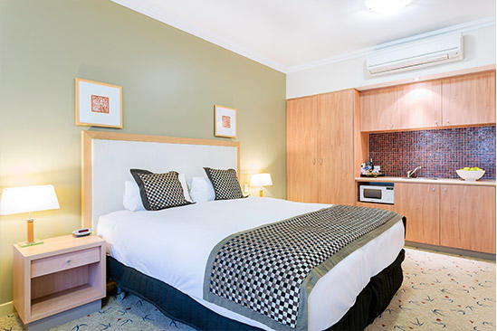 Kalgoorlie_Deluxe_Studio_King_Room