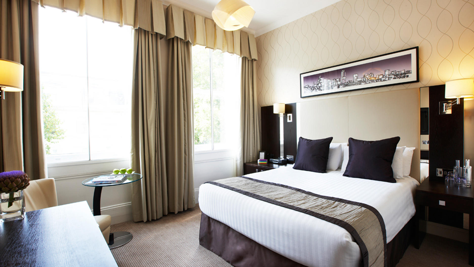 rydges kensington hotel london gha. Black Bedroom Furniture Sets. Home Design Ideas