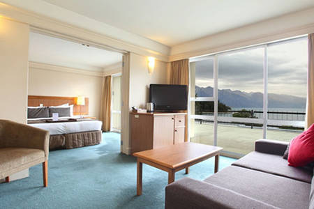 Queenstown _ One _ Bedroom _ Lake _ View _ Junior _ Suite