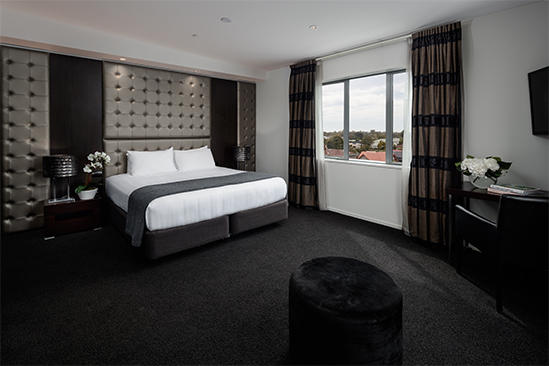 Rydges-Latimer_Penthouse - Suite – (1)