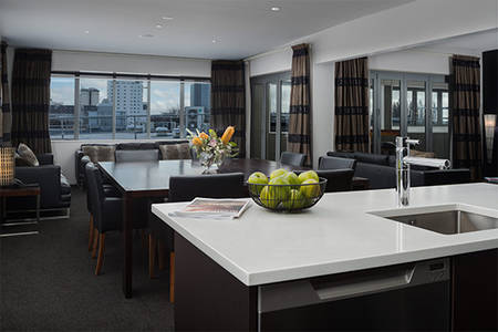Rydges-Latimer_Penthouse - Suite – (2)