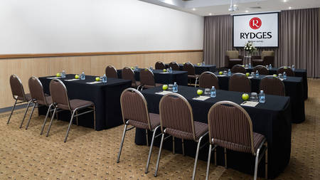 Rydges_Mackay_Suites_Conference_Hall