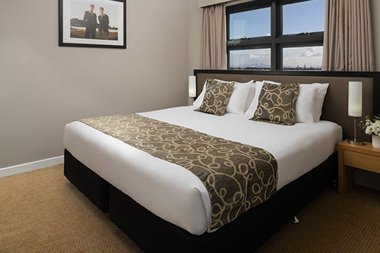 Rydges_ Mackay _Suites_deluxe_two_schlafzimmer_ suite