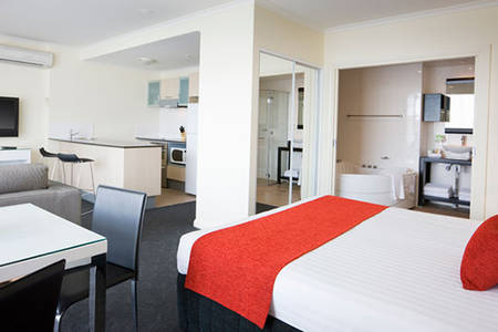 Rydges _ Mount _ Panorama _ Deluxe _ Studio