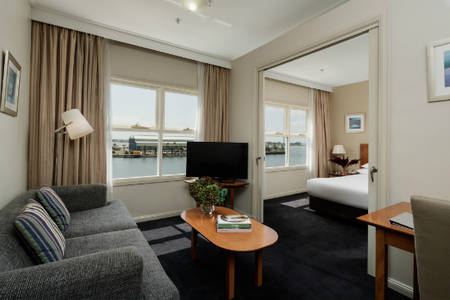 Rydges — — 新堡 — — King_Harbourside_Suite