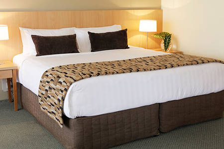 Rydges _ Plaza _ King _ Suite