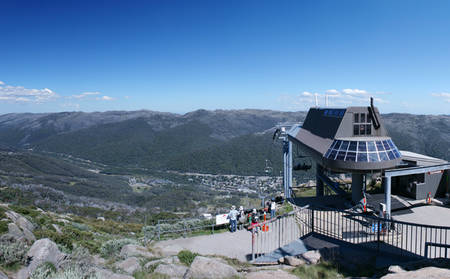 Rydges_Snowy-Mountains_Enjoy-Lunch-At-Australias-Highest-Restaurant
