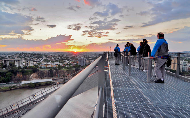 Rydges_Southbank-Brisbane_Story-Bridge-climb-and-Dine