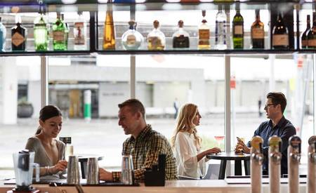 Rydges _ Sydney _ Airport _ Touchdown _ Sports _ Bar