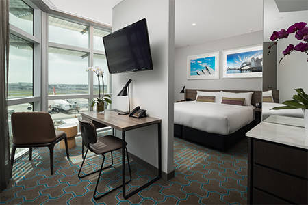 Rydges_Sydney_Airport_Deluxe_King