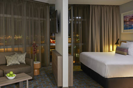 Rydges _ Sydney _ Airport _ Deluxe _ King _ Suite