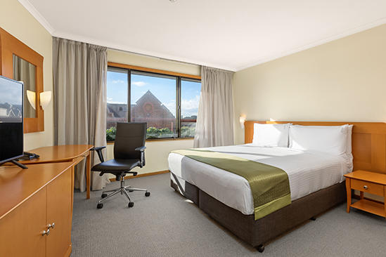 Rydges_Sydney_Harbour-Queen-Accessible