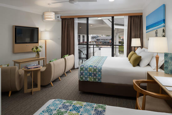 Sails-PortMacquarie-Superior_Standard_Suite_Room