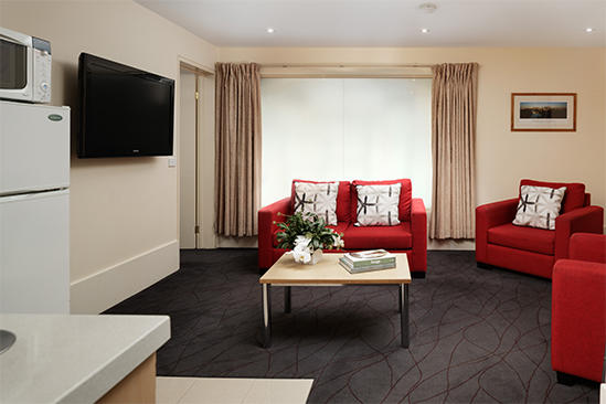 The_Victoria_Hotel_Apartment_Lounge