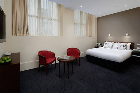 The_Victoria_Hotel_Queen_Heritage_Room