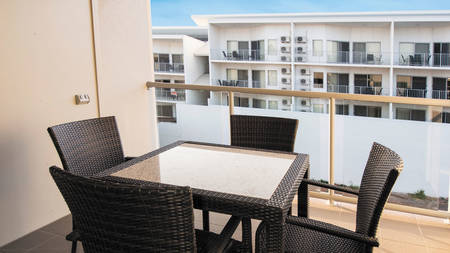 OaksMoranbah_1Bedroom_Balcony