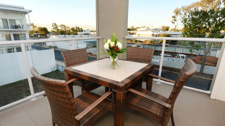 OaksMoranbah_2Bedroom_Balcony