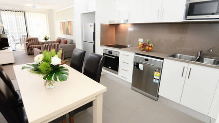 OaksMoranbah_2Bedroom_Dining