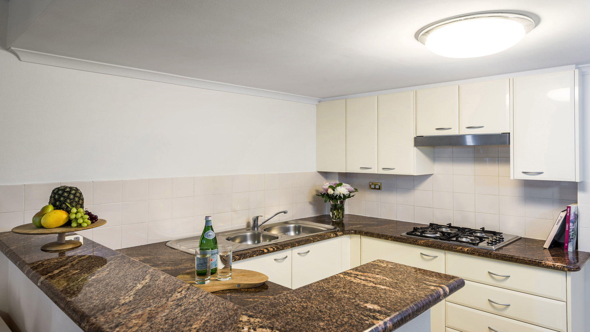 OaksOnCastlereagh _ OneBedroomKitchen