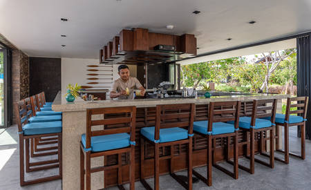 The_Residence_Bintan_Pool_Bar
