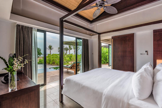 The_Residence_Bintan_Deluxe_Beachfront_Villa