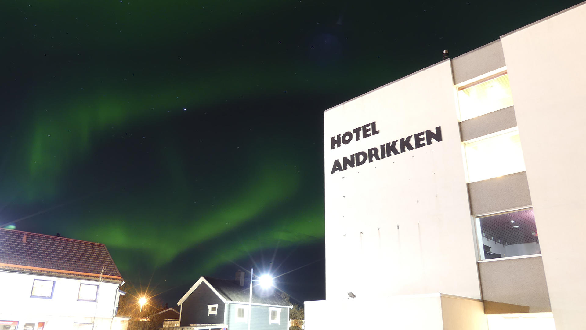 Thon Hotel Andrikken_Exterior with Northern Lights