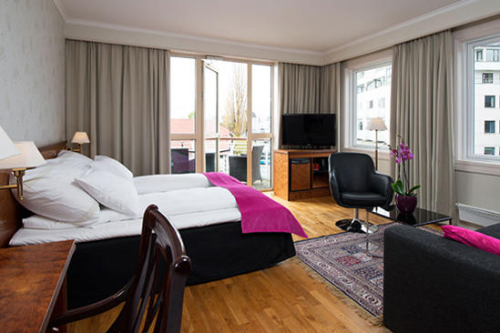 Thon-Hotel-Moldefjord-Business-Room