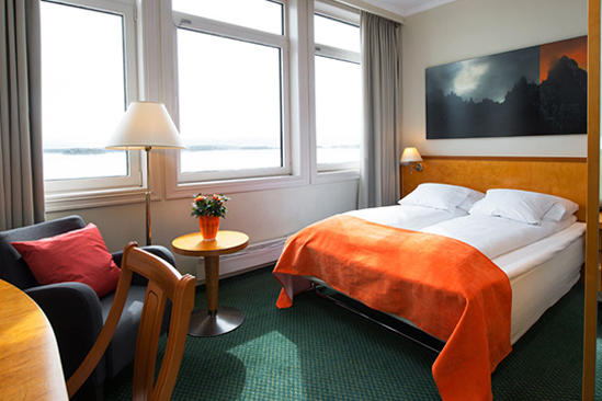 Thon-Hotel-MOLDEFJORD-Standard-room-Queen