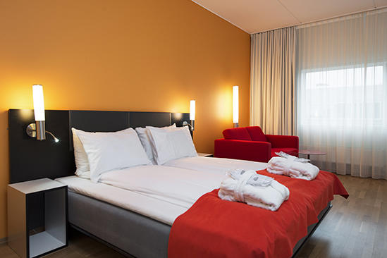 Thon-Hotel-Oslo-Airport-Business-Room