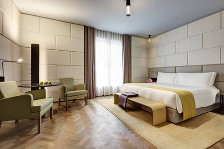Hotel_Cafe_Royal_Grand_Superior_Guestroom