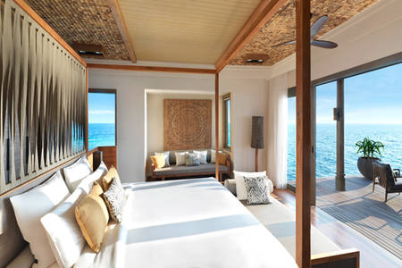 Vakkaru-Maldives-Four-Bedroom-Over-Water-Pool-Residence-King-Bedroom