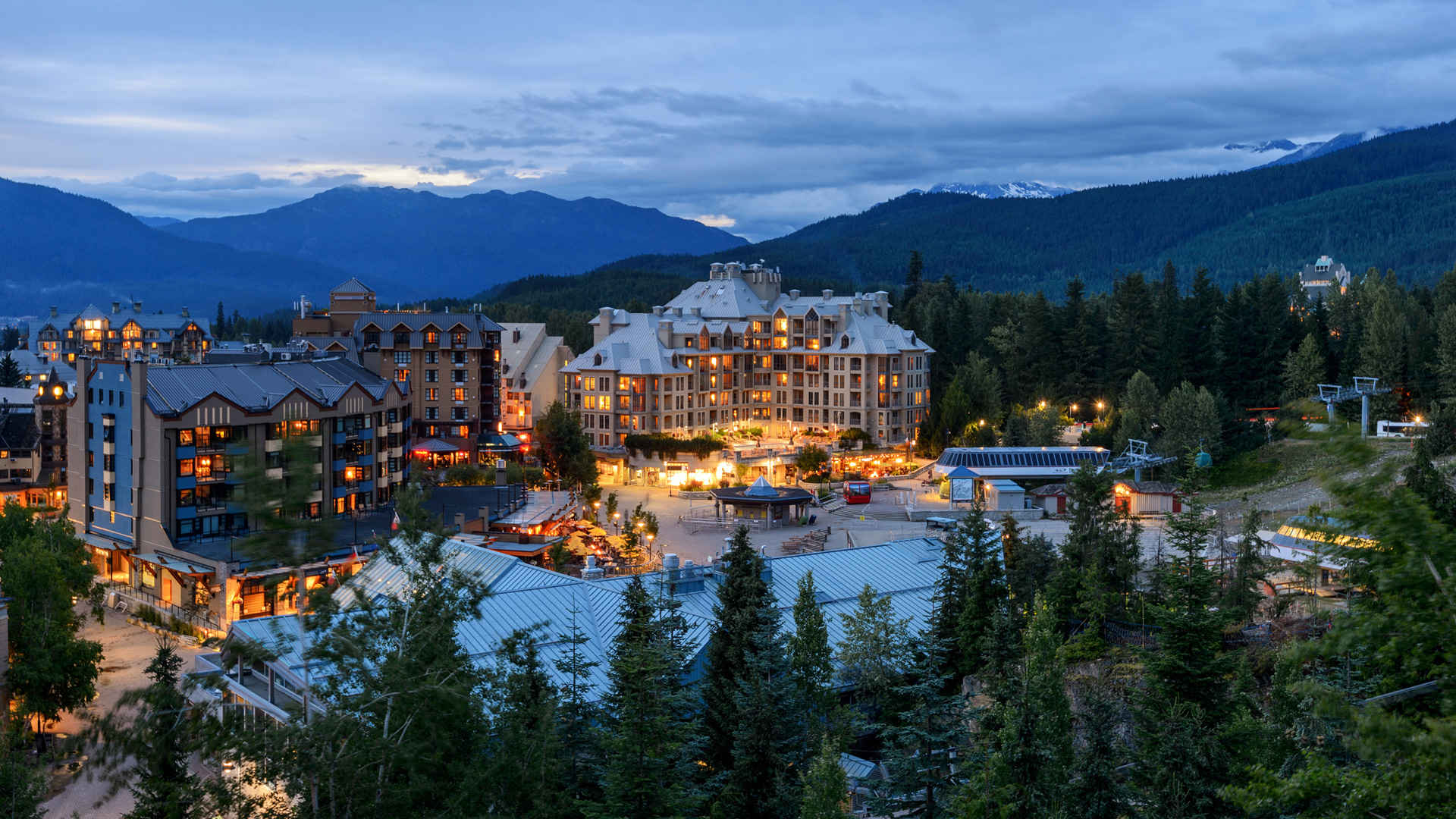 DISCOVERY _Billboard_Whistler_Canada