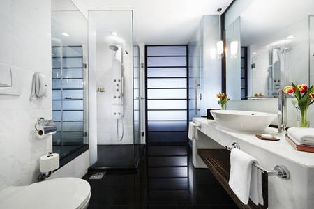 PRSMB_Collection_Club_Marina_Bay_Bathroom