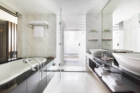 PRSMB_PARKROYAL_Collection_Suite_Bathroom_1