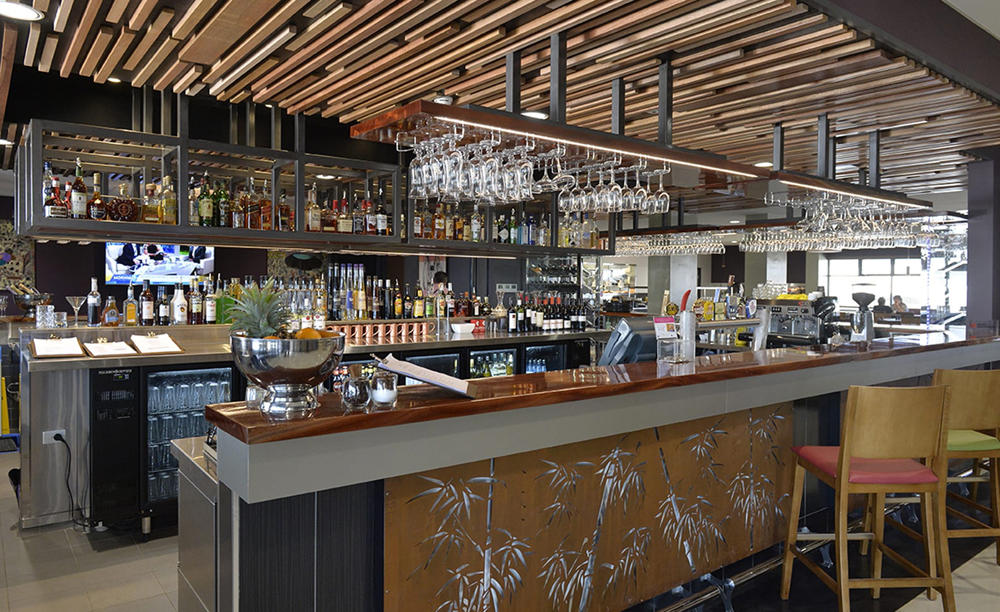 Rydges _ Palmerston _ Darwin _ Fork _ and _ Dagger _ Bar